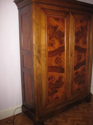 belle armoire 1900 en noyer. Black Bedroom Furniture Sets. Home Design Ideas