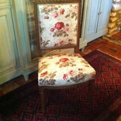chaise de style Louis XVI