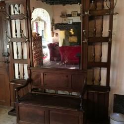 Grand vestiaire ancien avec banc coffre