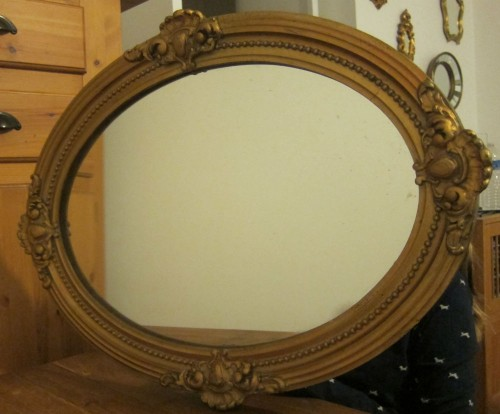 Miroir ovale ancien moulure dor e for Miroir bordure doree
