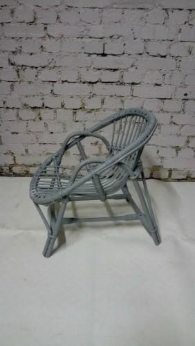 ancien fauteuil d 39 enfant en osier. Black Bedroom Furniture Sets. Home Design Ideas