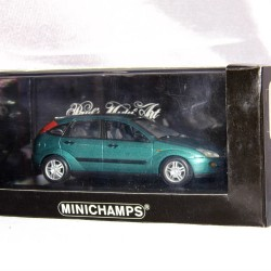 Voiture MINICHAMPS 1/43 FORD FOCUS 5 DOOR SALOON 1998