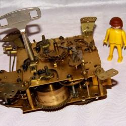 Horloge pendule mouvement horlogerie carillon horloger