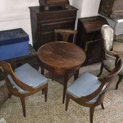 Table bouillotte et 3 chaises