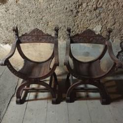 Paire de fauteuils Dagobert