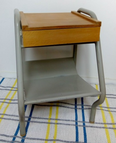 Table de chevet vintage industrielle - Table chevet industriel ...