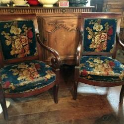 Paire de fauteuils en acajou époque Restauration