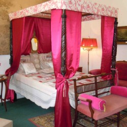 lit à baldaquin photo 3