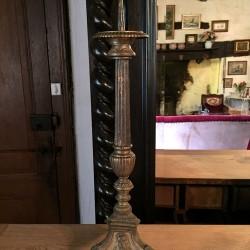 Pique cierge en bronze et laiton