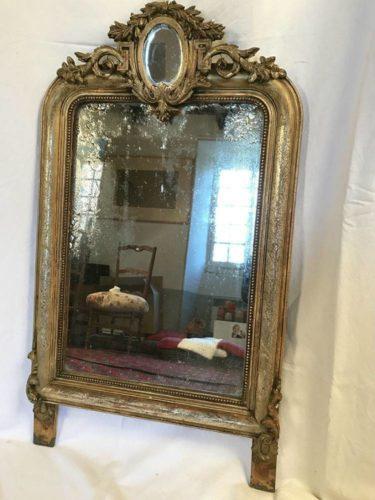 adorable miroir cadre stuqu dor. Black Bedroom Furniture Sets. Home Design Ideas