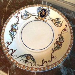 Assiette Gien décor Renaissance, fin XIXe
