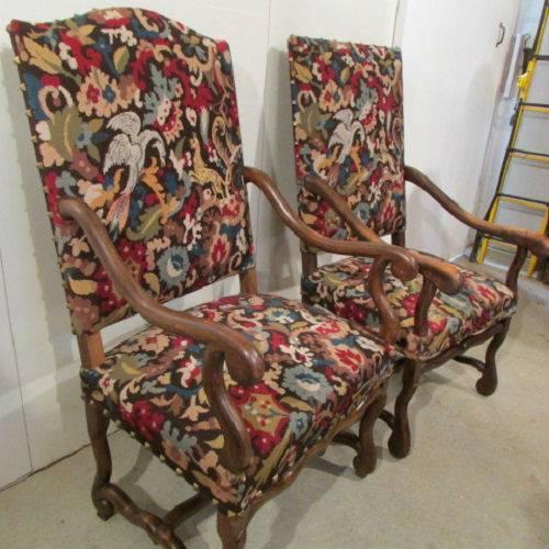 deux fauteuils louis xiii os de mouton. Black Bedroom Furniture Sets. Home Design Ideas