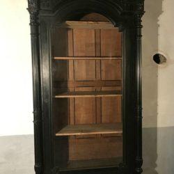 Bibliothèque Napoleon III en bois noirci, vitrine.