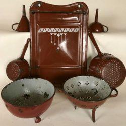 Porte-ustensiles et divers objets tôle émaillée brun-rouge