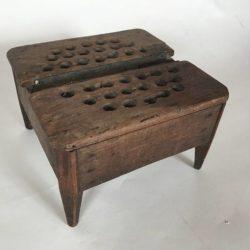 Ancienne chaufferette en bois, art populaire