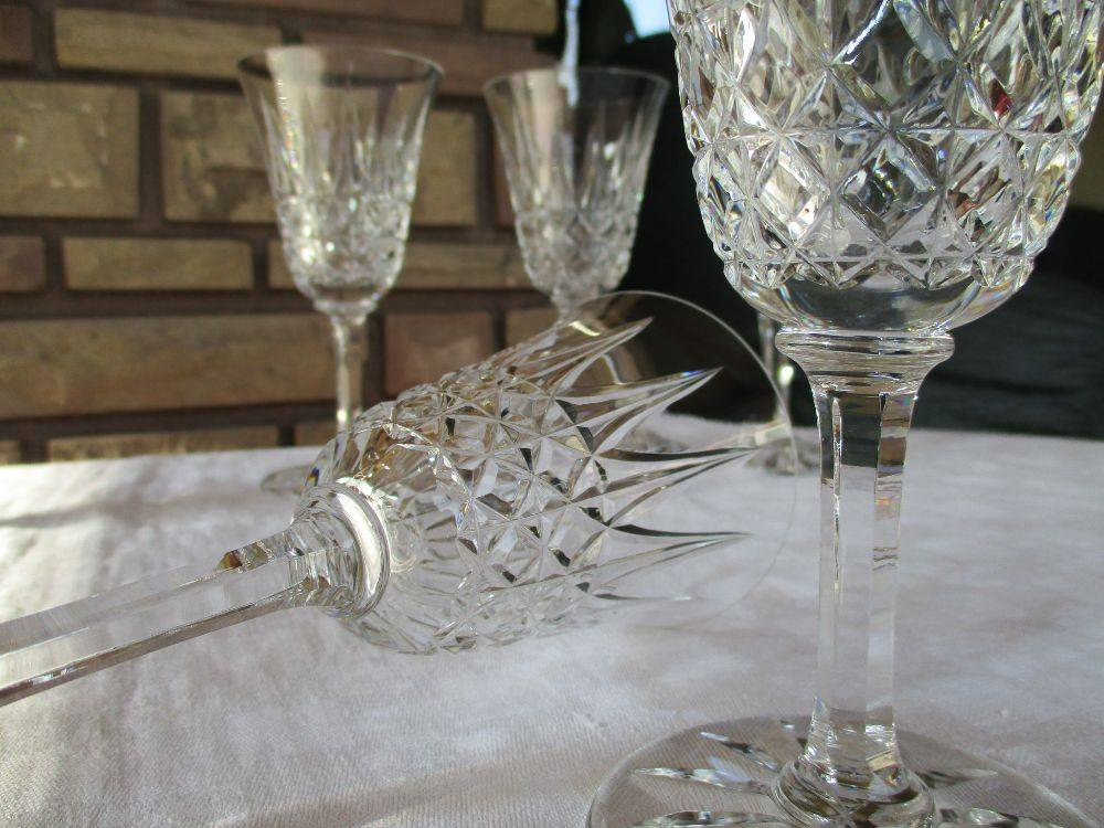 flutes champagne cristal les brocanteurs. Black Bedroom Furniture Sets. Home Design Ideas