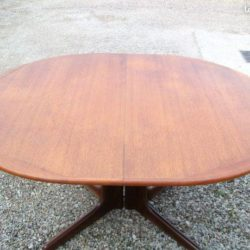 table en teck scandinave 1