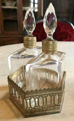 Paire de flacons de parfum en cristal , cave à senteurs…