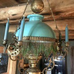Lustre monte et baisse Napoleon III Opaline bleue monté à l'électricité.