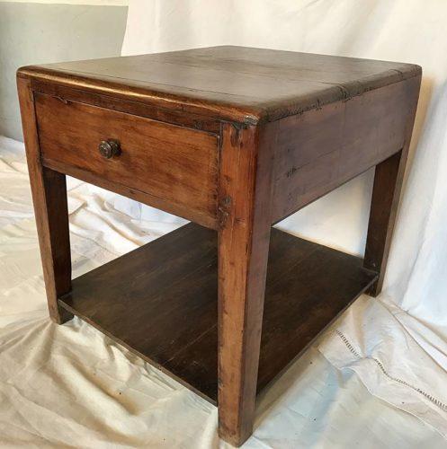 bout de canap meuble d 39 appoint ancien en bois. Black Bedroom Furniture Sets. Home Design Ideas