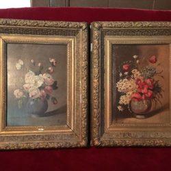 Paire d'huiles sur panneaux, bouquets de fleurs
