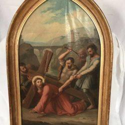 """Huile sur toile en forme d'ogive. """"Le Christ portant sa croix"""" signé L. Chovet XIXe"""