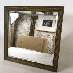 Ancien petit miroir biseauté forme carrée