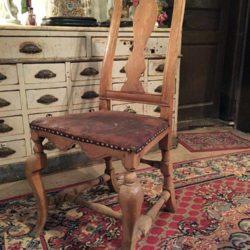 Etonnante chaise en bois naturel XVIIIe