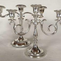 Lot de deux chandeliers métal argenté