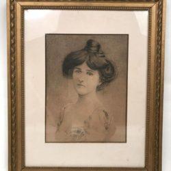 Portrait de femme, dessin ancien encadré