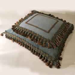 grand coussin velours bleu