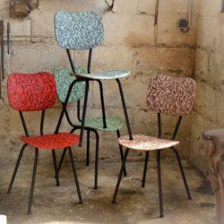 Ensemble de 4 chaises de cuisine vintage