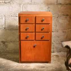 Petit meuble de rangement (grainetier)