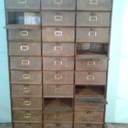 meuble d'administration 30 casier en métal
