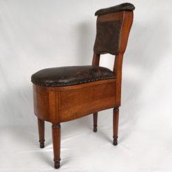Chaise d'aisance en bois fruitier XVIIIe
