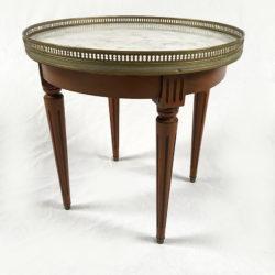 Table basse bouillotte de style Louis XVI