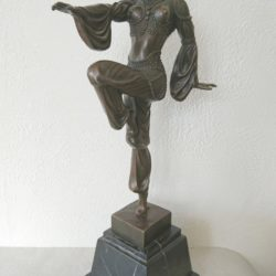 D.H Chiparus Sculpture de danseuse exotique en bronze